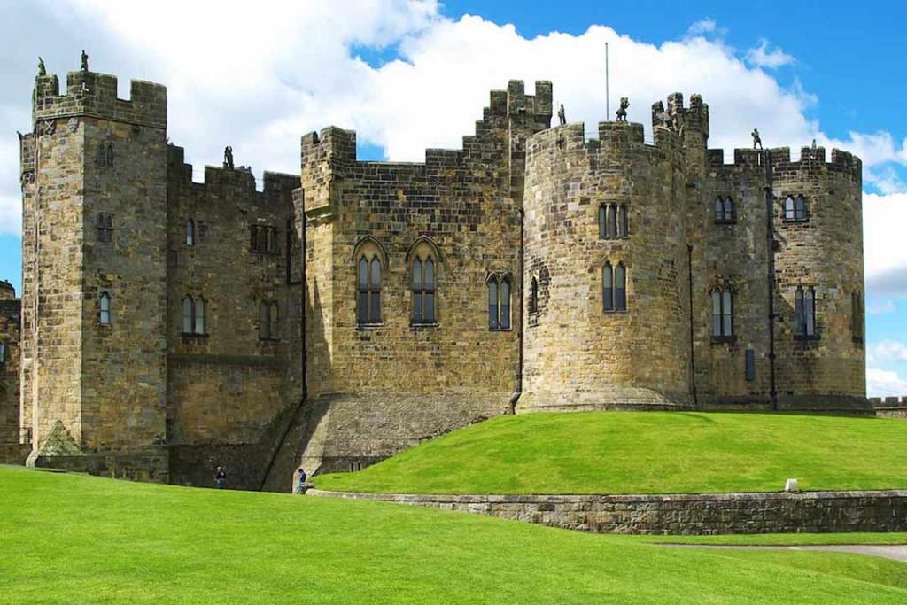 Alnwick-Castle-UK-Harry-Potter