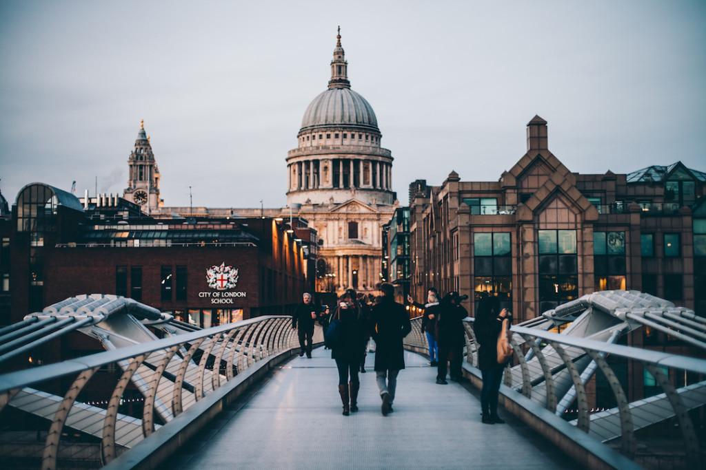 Millennium-Bridge-London-Harry-Potter