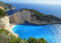 how to travel between greek islands