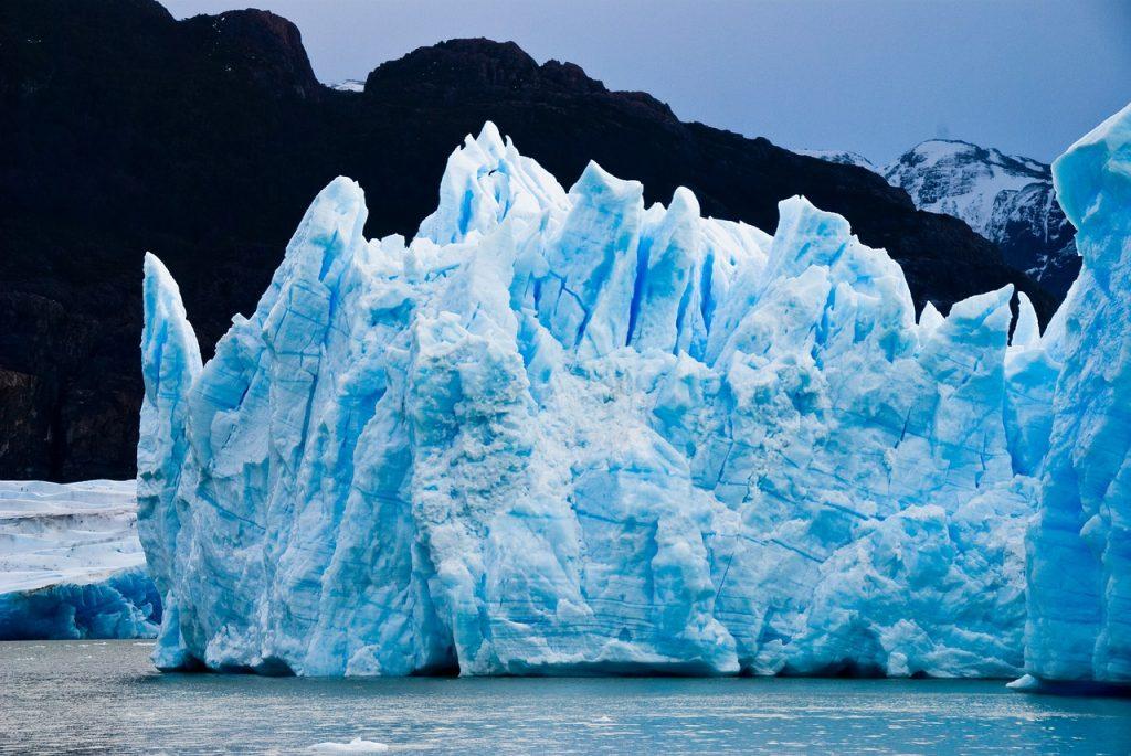 iceberg in torres del paine