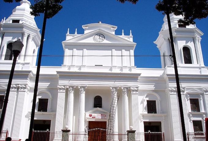 A white church in Alajuela, Costa Rica