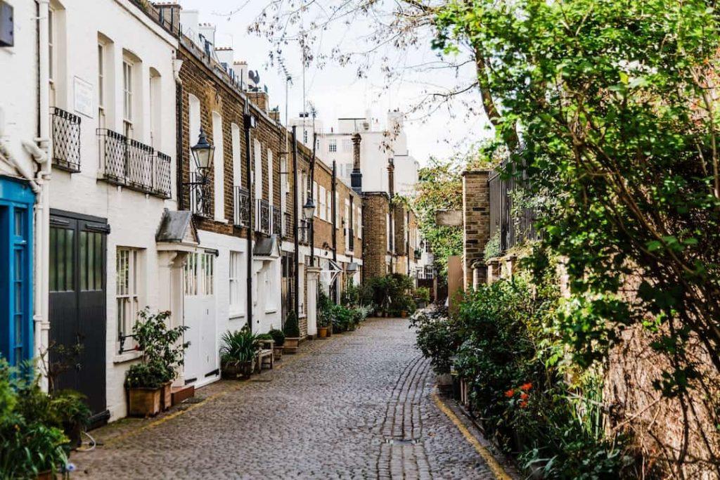 Mews side street in London
