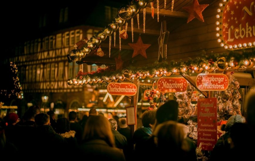 6 Holiday Traditions from Around the World