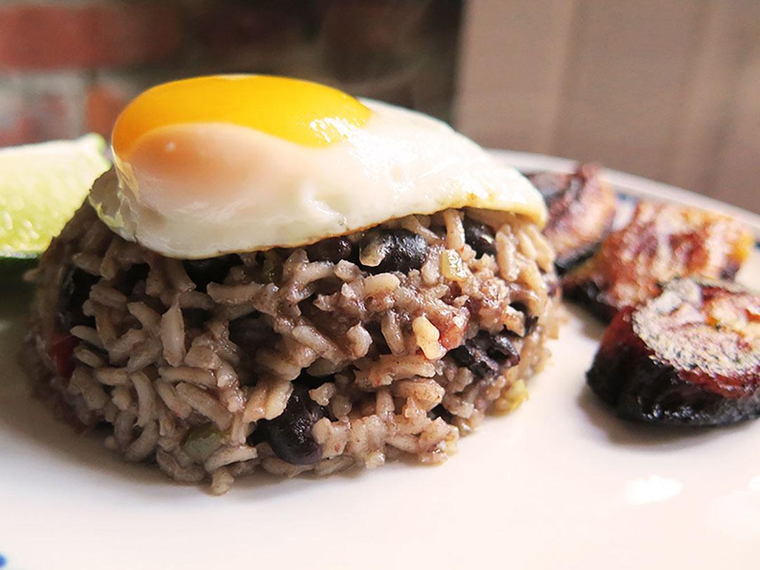 Moros y Cristianos-Cuba-rice-beans-egg-food